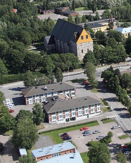 Ilmakuva Mynämäen kirkosta.